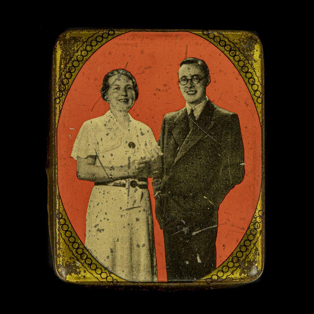 Blikje huwelijk Prinses Juliana & Prins Bernhard