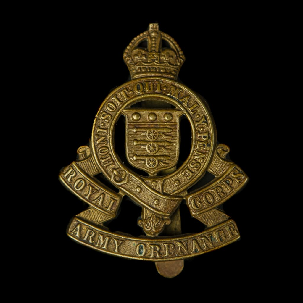 Britse capbadge Royal Corps Army Ordnance