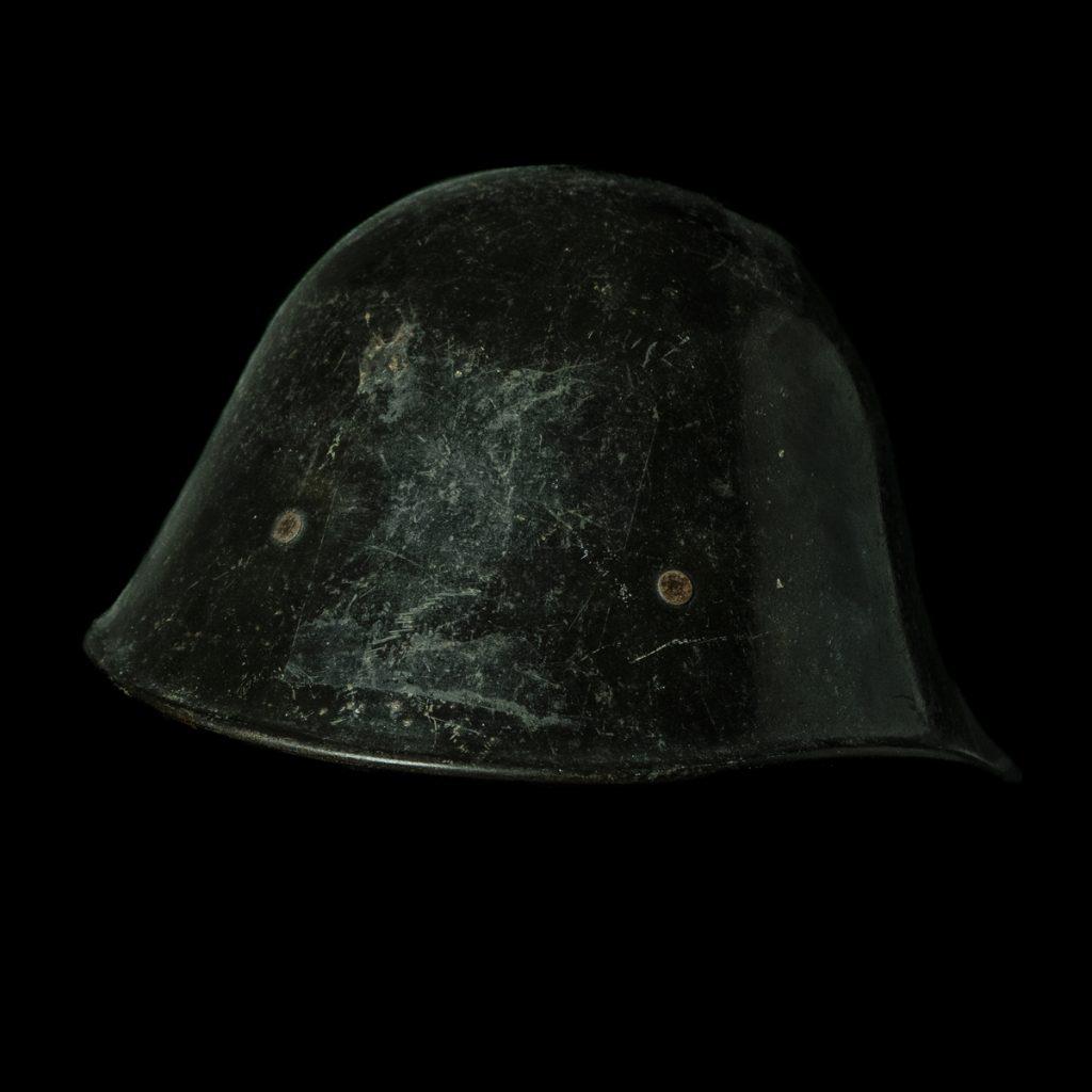 LBD helm naar KNIL model
