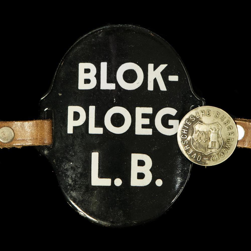 Emaille Armband BLOKPLOEG L.B. Overschiesche Burgerwacht