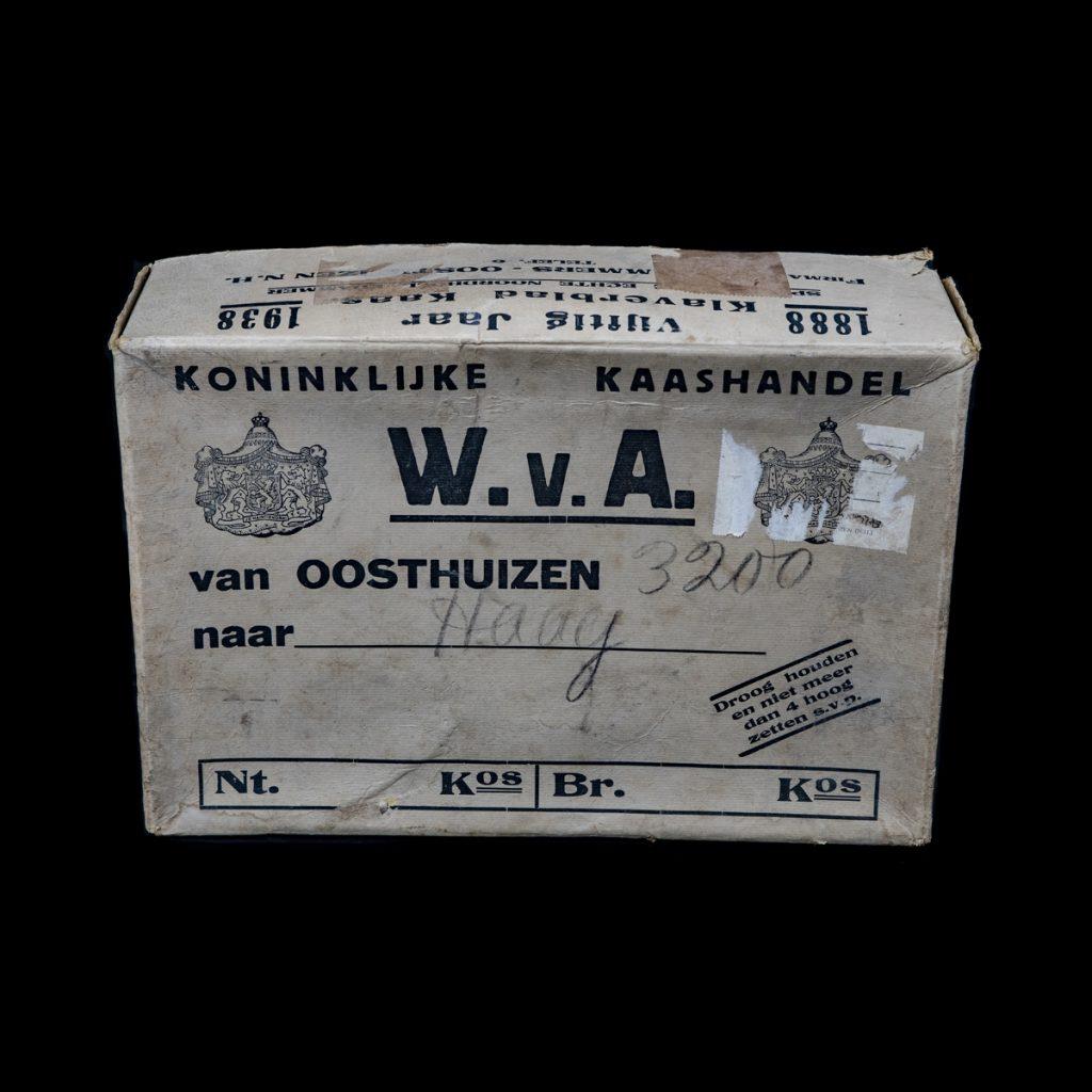 Doos Koninklijke Kaashandel W.v.A. Oosthuizen 1938