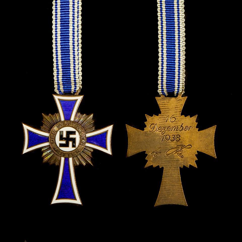 Ehrenkreuz der Deutschen Mutter in brons