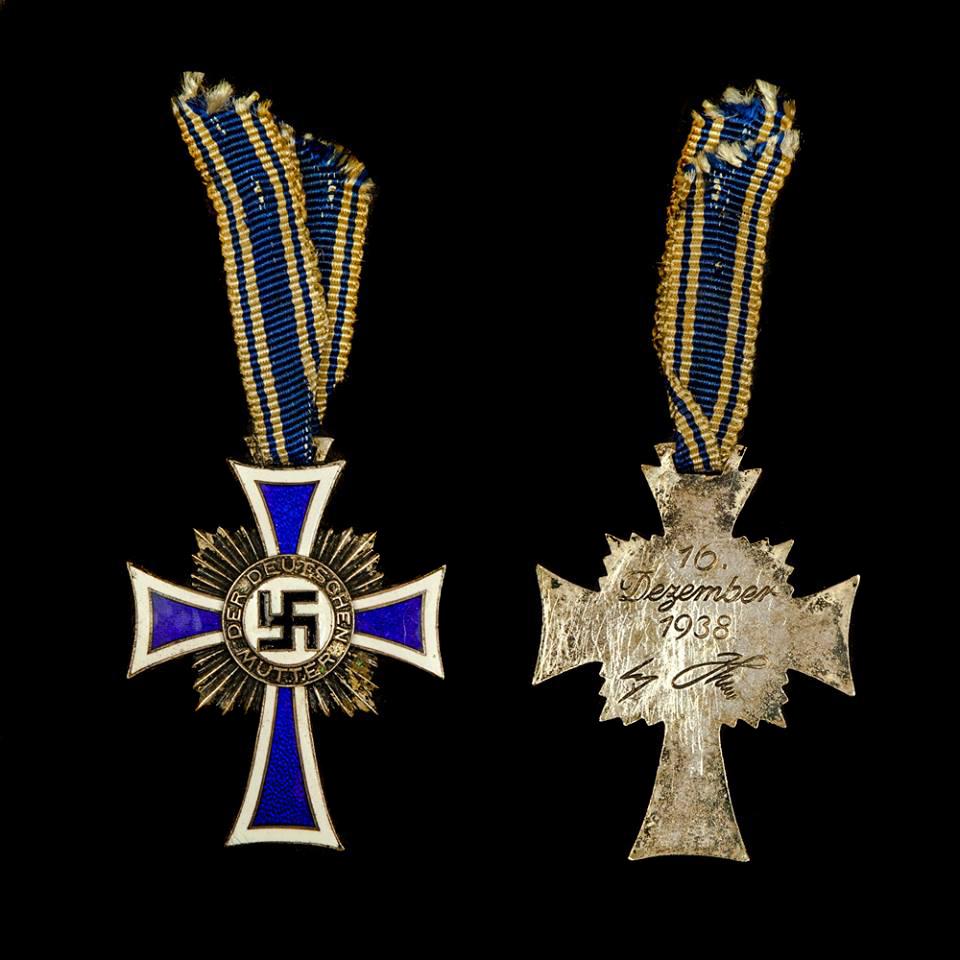 Ehrenkreuz der Deutschen Mutter in zilver