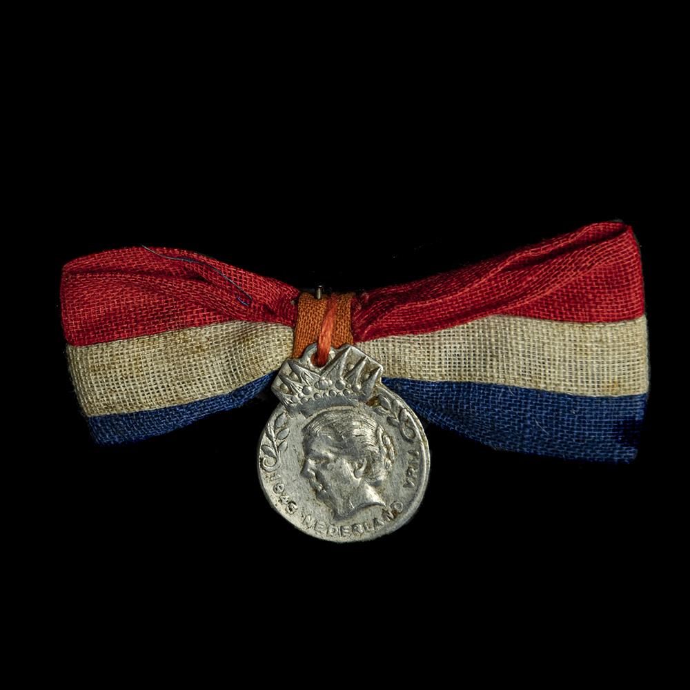 1945 Nederland Vrij speld