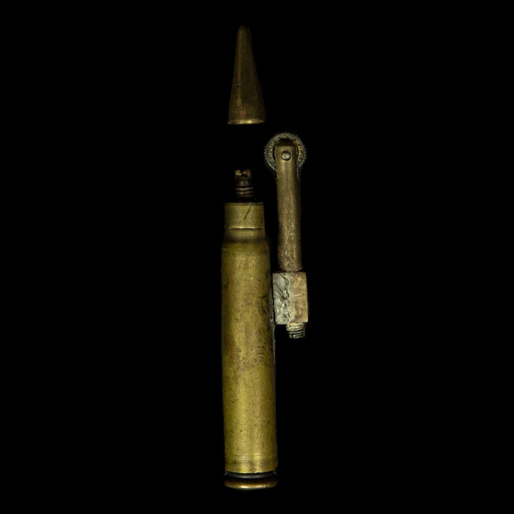 Aansteker gemaakt van een kogel & huls