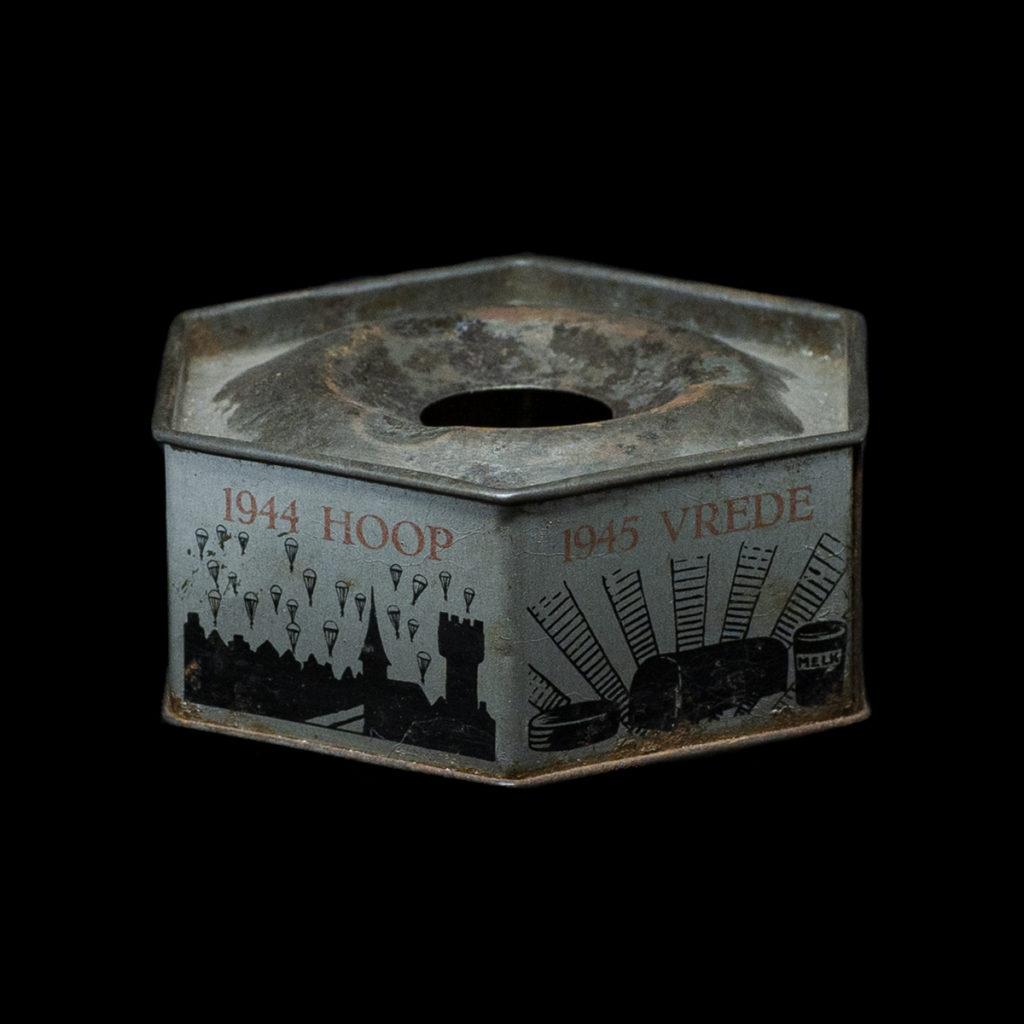 Asbak gemaakt van vliegtuigaluminium