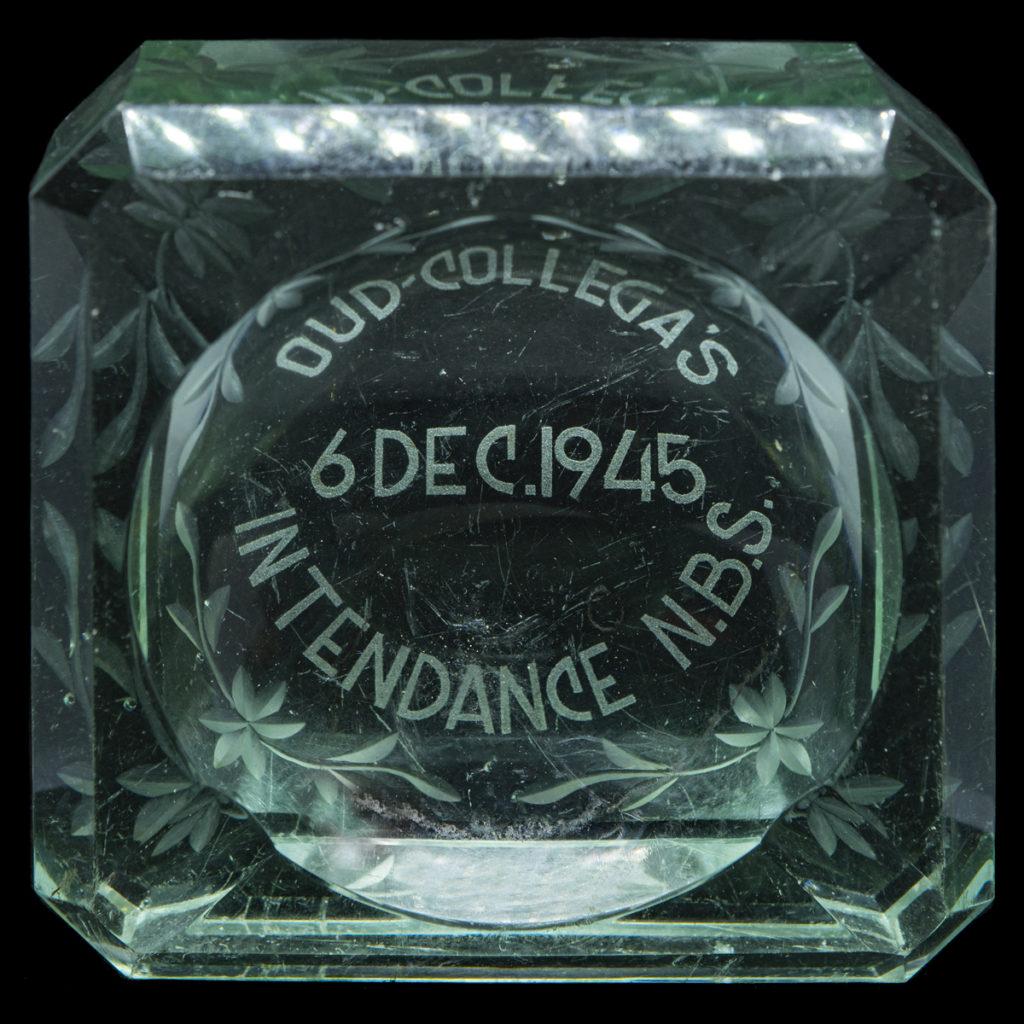 Asbak Oud Collega's 6 Dec. 1945 Intendance N.B.S.