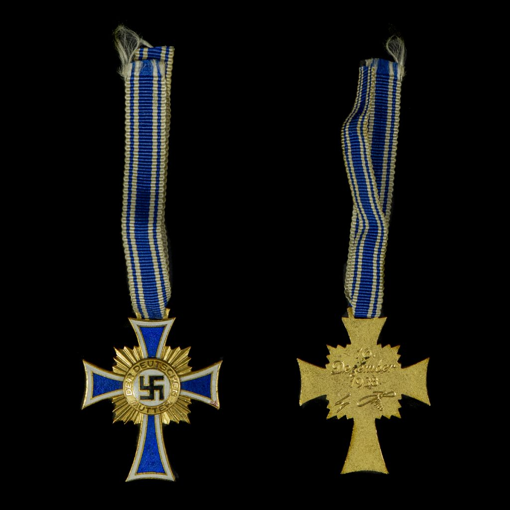 Ehrenkreuz der Deutschen Mutter in goud