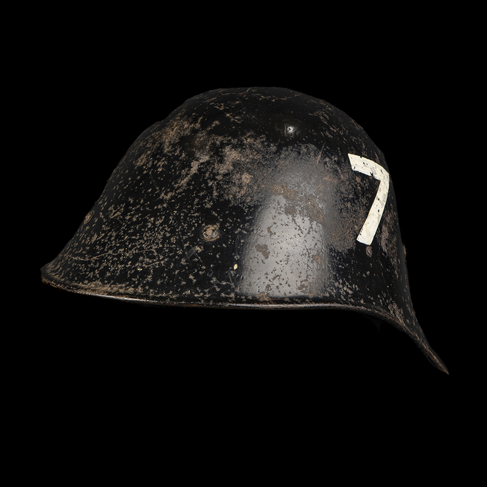 M34 LBD helm Blok 7