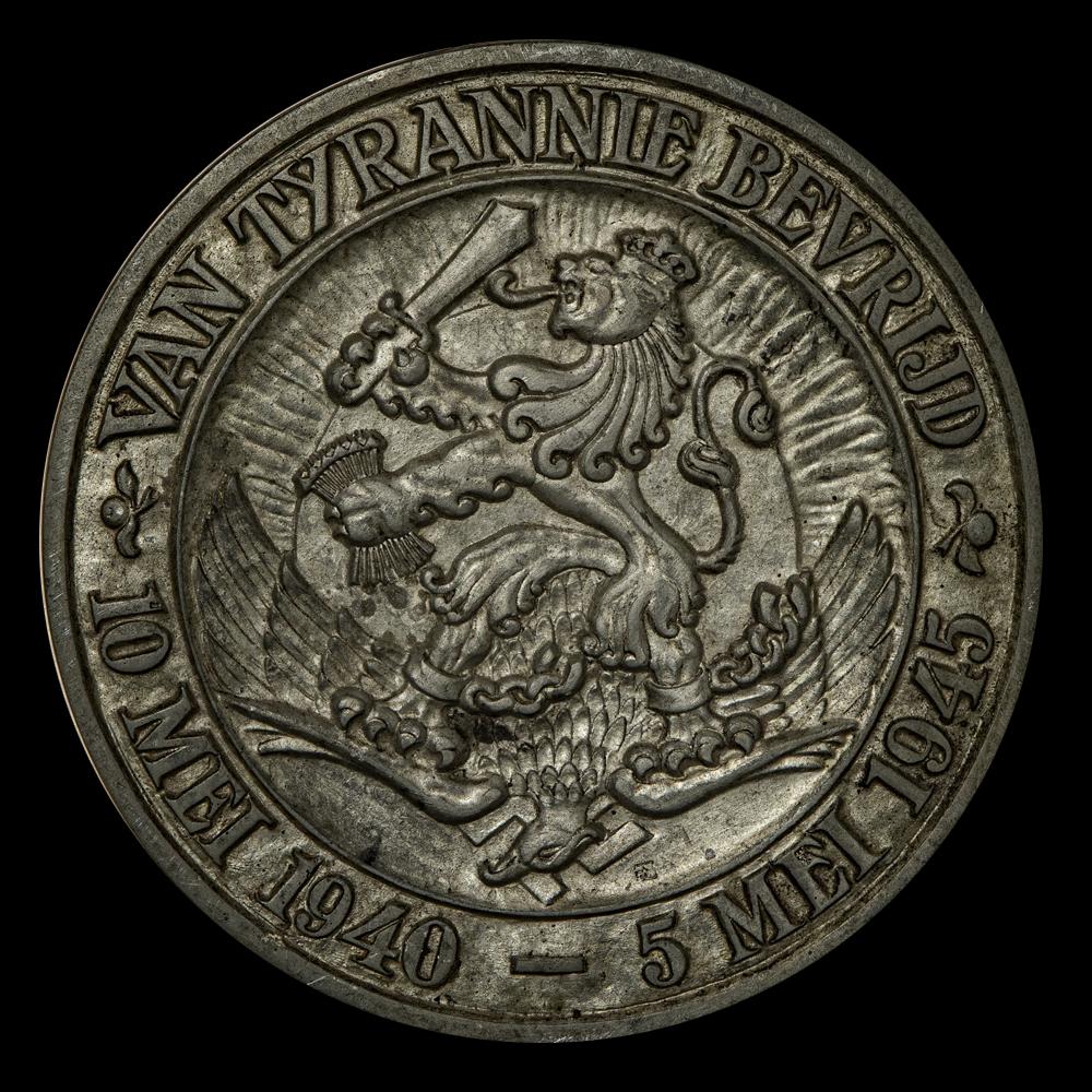 VAN TYRANNIE BEVRIJD 10 MEI 1940 – 5 MEI 1945