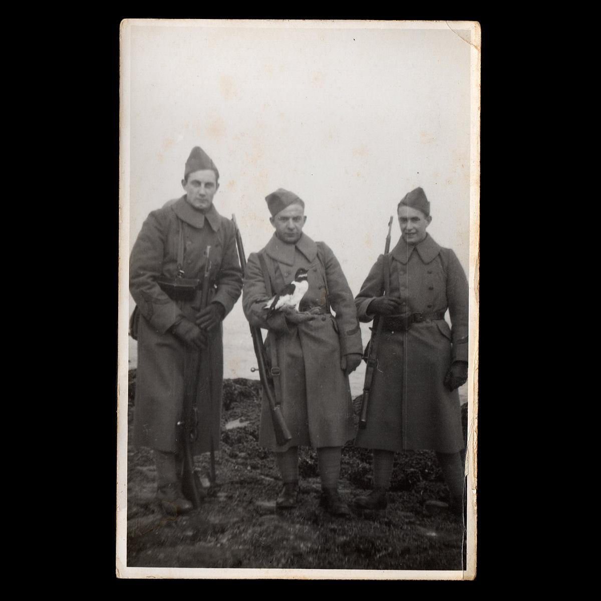 Op het strand van 's-Gravenzande februari 1940