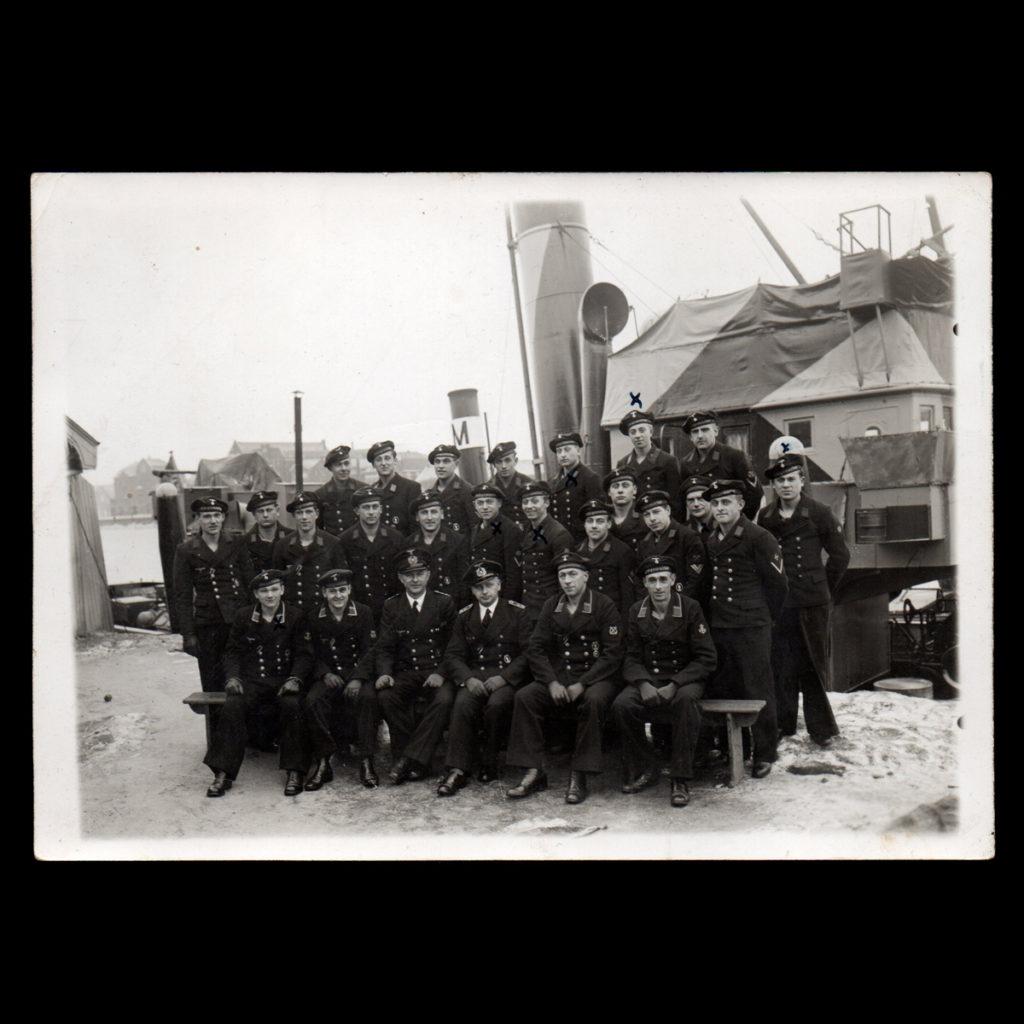 Kriegsmarine Boot 1409 am 19. April – Foto Niestadt Oost Havenkade 5 Vlaardingen