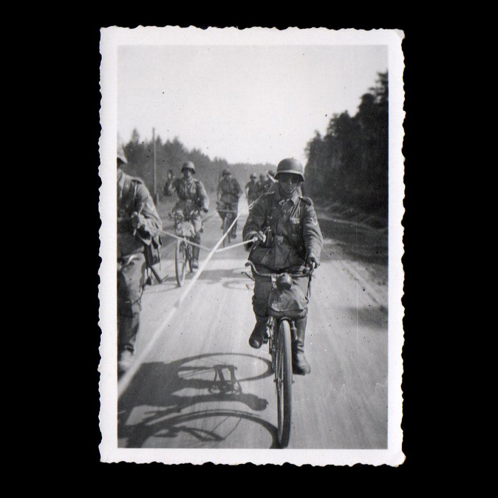 Oefening op de fiets Rusland 1941