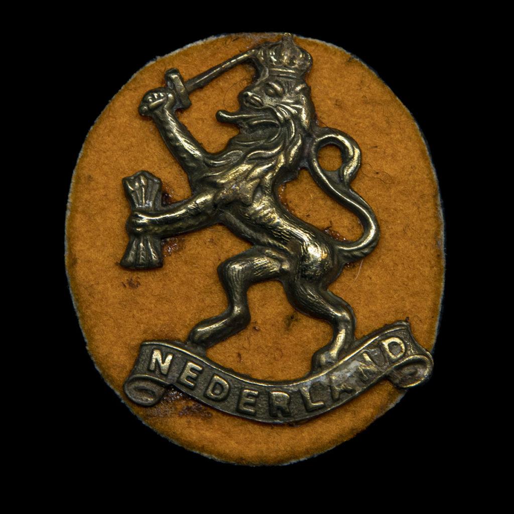 Baret leeuw Prinses Irene Brigade 1942-45 vermaakt tot 'Sweetheart'